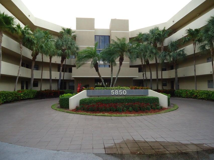 5850 Camino Del Sol 102  Boca Raton FL 33433