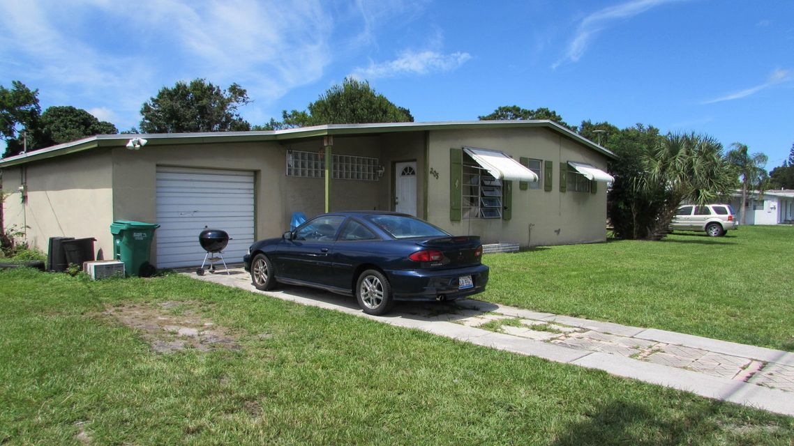 205 NE Prima Vista Boulevard - Port St Lucie, Florida