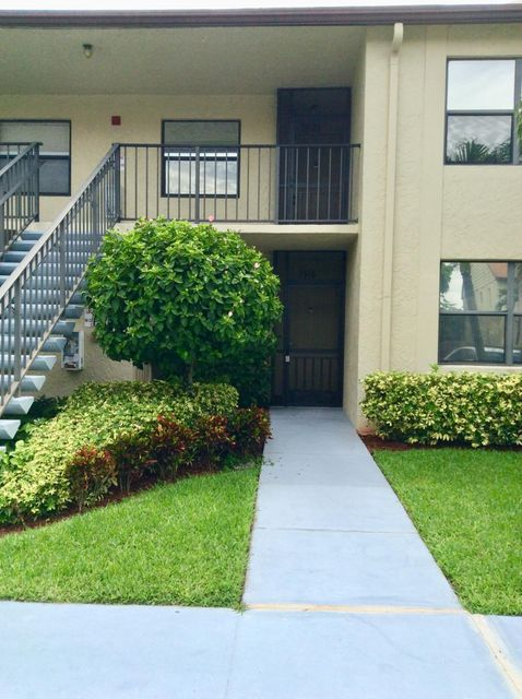 Home for sale in Willow Bend Lake Worth Florida