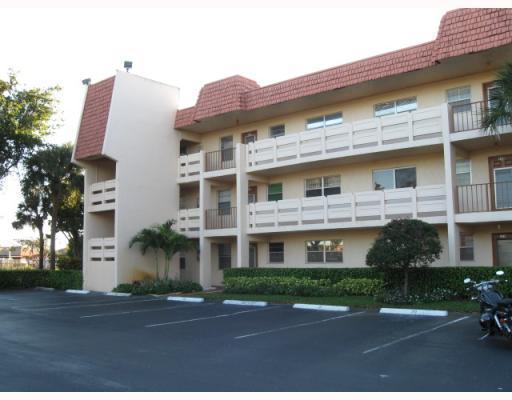 14721 Bonaire Boulevard 311  Delray Beach, FL 33446