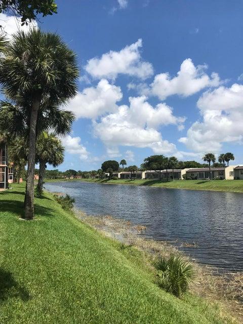 202 Lake Evelyn Drive  West Palm Beach FL 33411