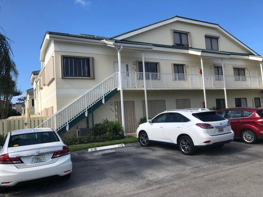 370 Bella Vista Court 70 , Jupiter FL 33477 is listed for sale as MLS Listing RX-10453057 29 photos