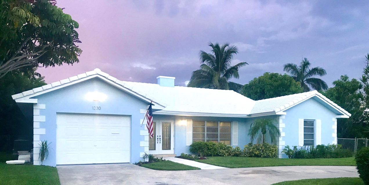 BOCA ISLANDS SEC 7 home on 1230 SW 5th Court