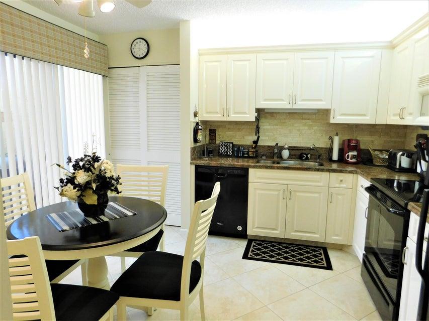 7689 Glendevon Lane 1802  Delray Beach, FL 33446