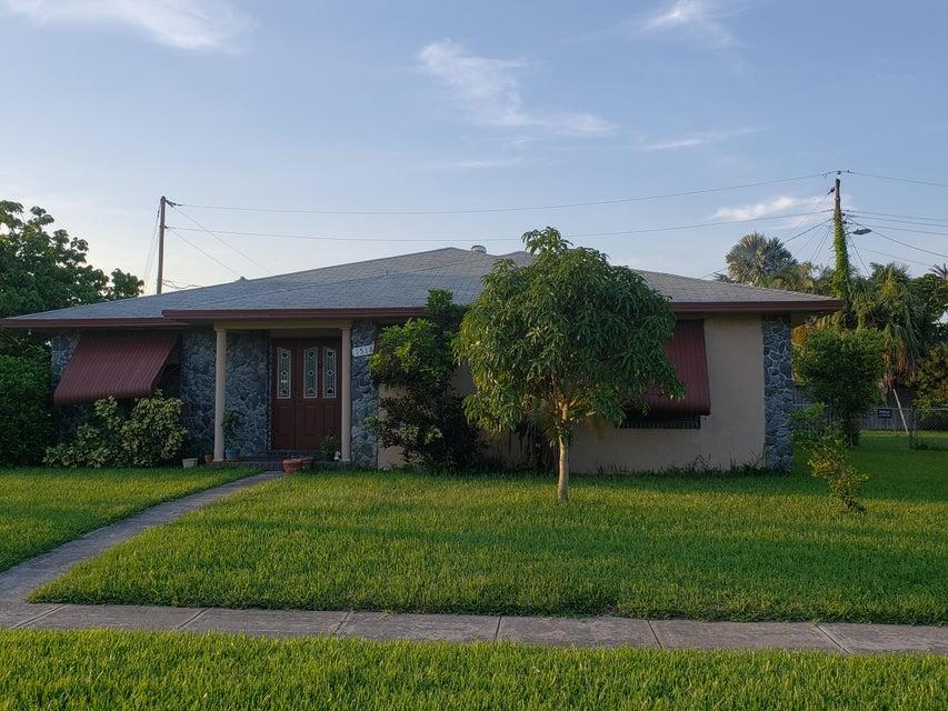 1518 Lee Court  Lake Worth, FL 33461