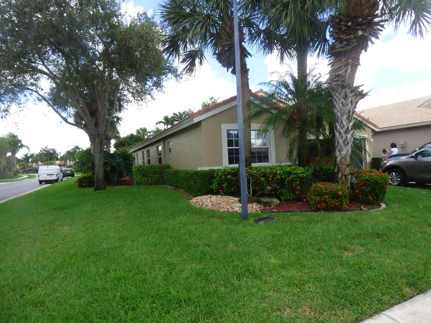 Home for sale in LAKERIDGE GREENS AT PIPERS GLEN Boynton Beach Florida