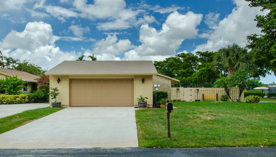 2419 NW 10th Street  Delray Beach, FL 33445