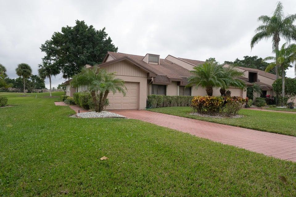6700 Versailles Court Lake Worth, FL 33467