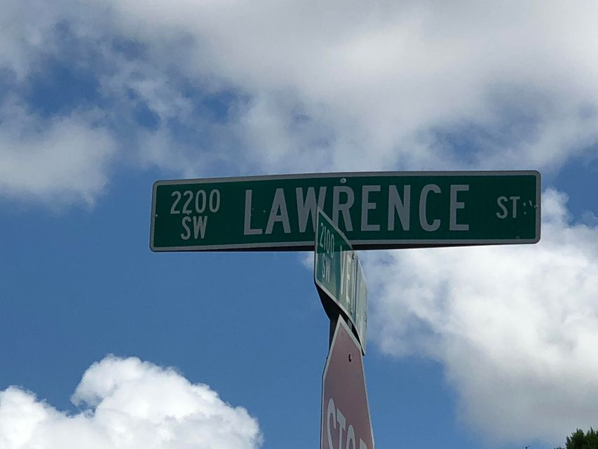2222 Sw Lawrence Street
