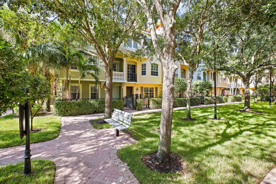 2731 Ravella Way , Palm Beach Gardens FL 33410 is listed for sale as MLS Listing RX-10440133 22 photos