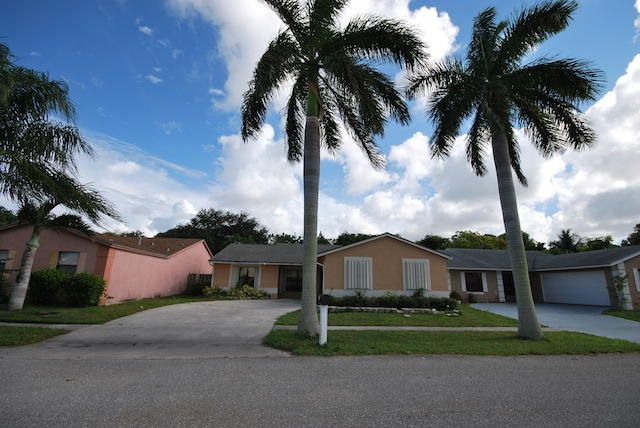 7360 Willow Springs Circle  Boynton Beach, FL 33436