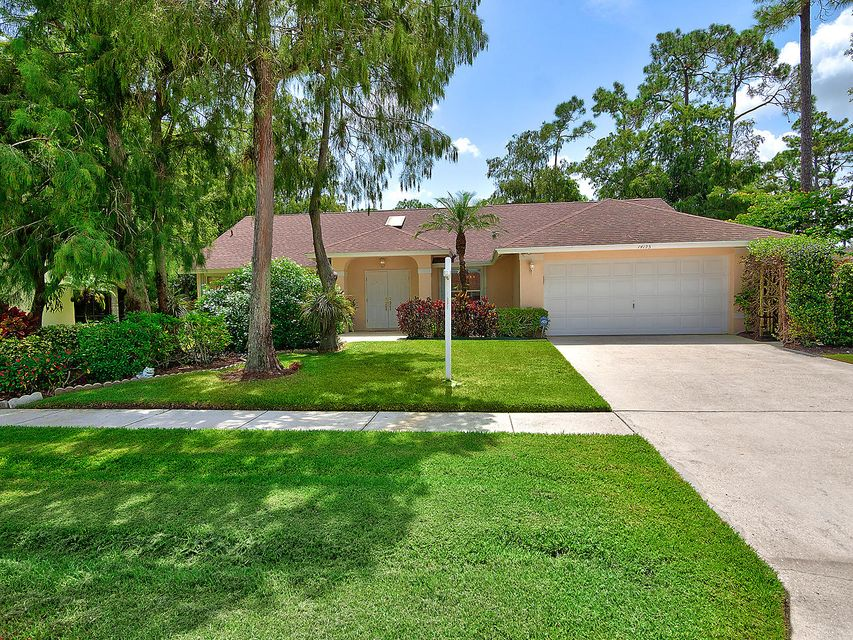 14195 Greentree Drive  Wellington FL 33414