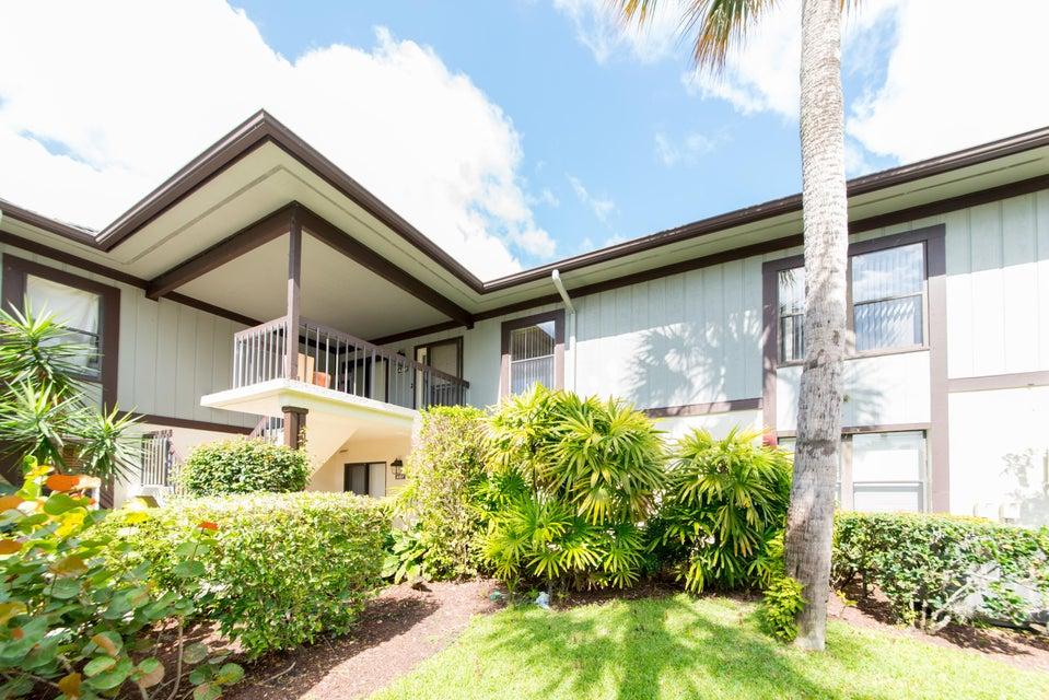 13230 Polo Club Road, Wellington, Florida 33414, 3 Bedrooms Bedrooms, ,3 BathroomsBathrooms,Condo/Coop,For Sale,Palm Beach Polo,Polo Club,1,RX-10454718