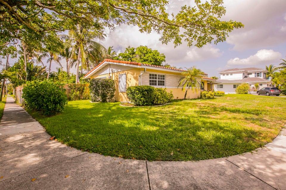 498 NE 8th Street  Boca Raton FL 33432