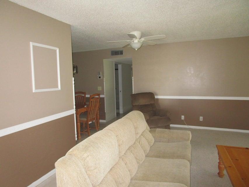 1172 S Drive Circle D  Delray Beach, FL 33445