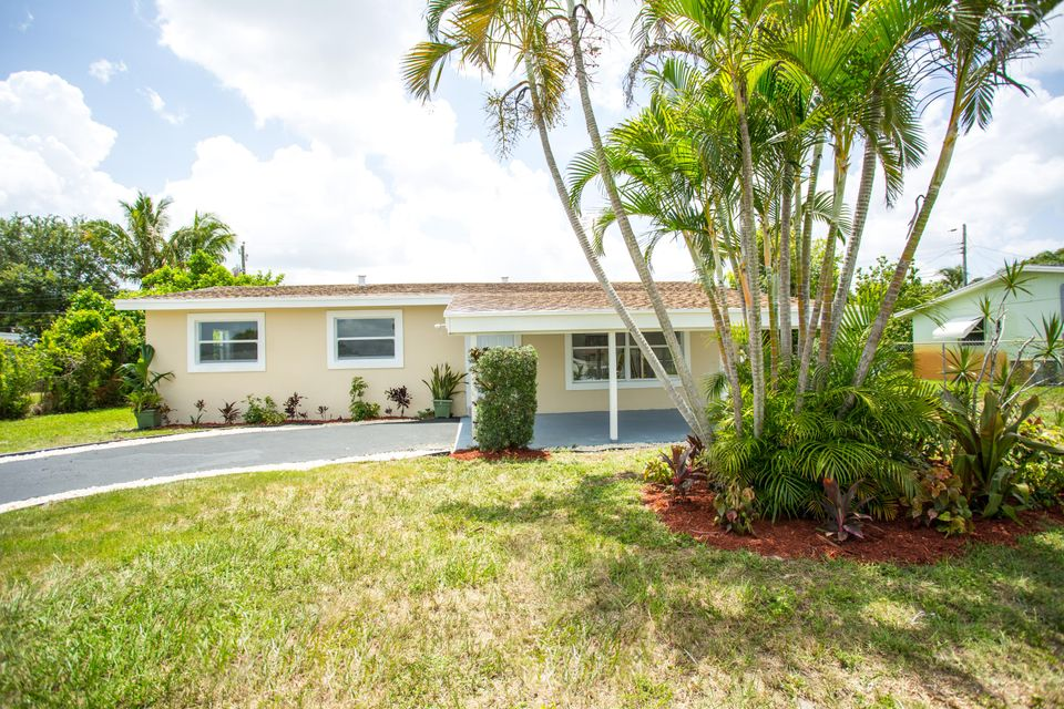 Home for sale in POLO CLUB ESTATES 2 Palm Springs Florida