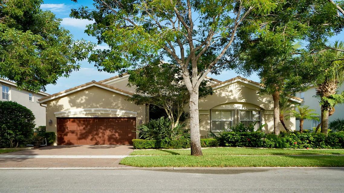 2719 Danforth Terrace  Wellington, FL 33414