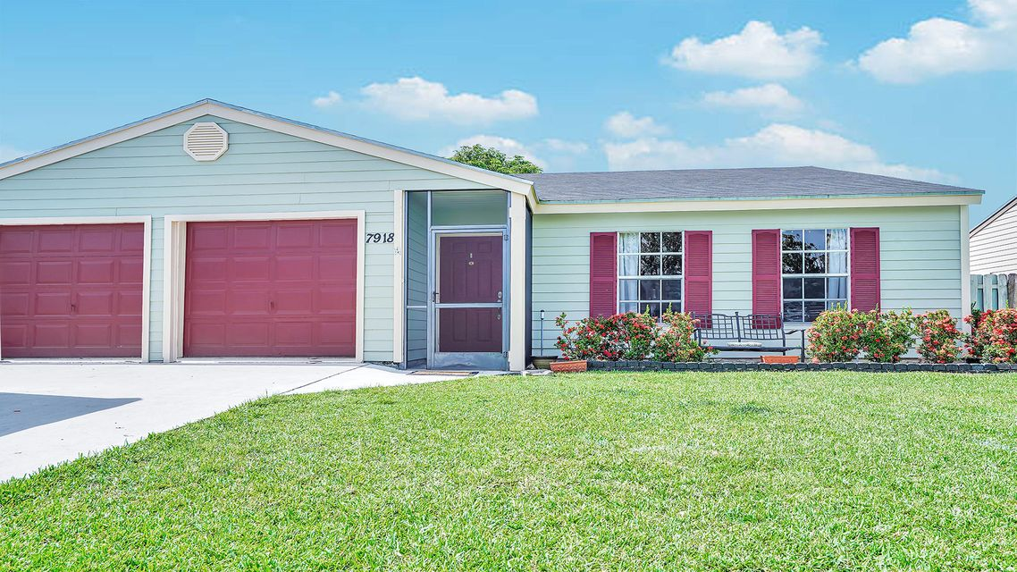 7918 S Blairwood Circle  Lake Worth, FL 33467