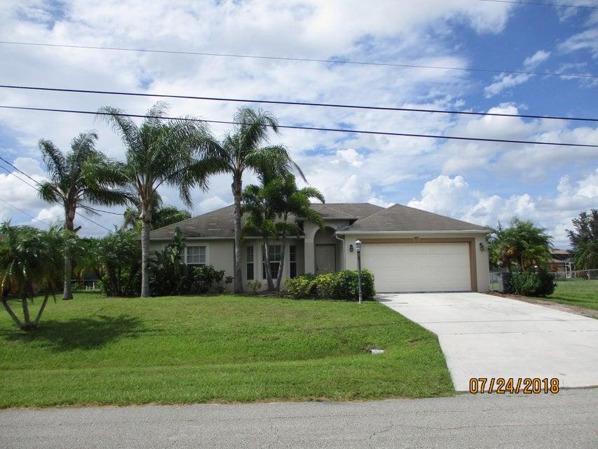 661 SW Mccoy Avenue  Port Saint Lucie FL 34953