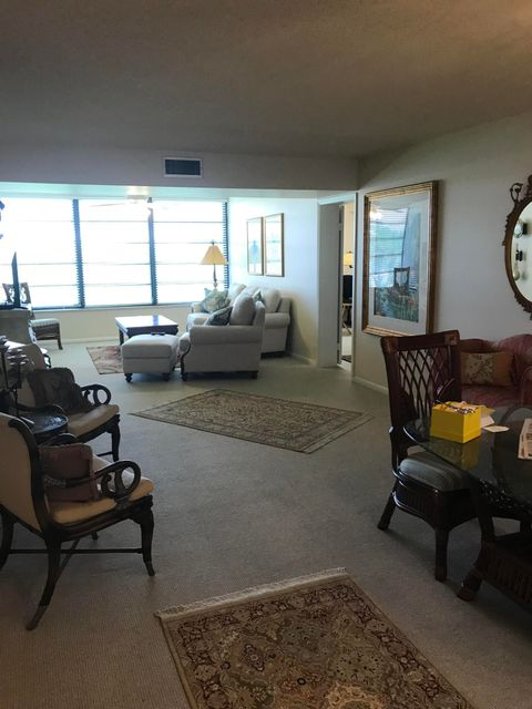 Home for sale in WHITEHALL CONDO OF THE LANDS OF THE PRESIDENT West Palm Beach Florida