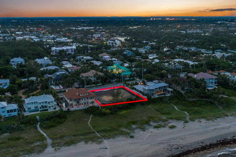 707 N Ocean Boulevard , Delray Beach FL 33483 is listed for sale as MLS Listing RX-10445292 photo #2