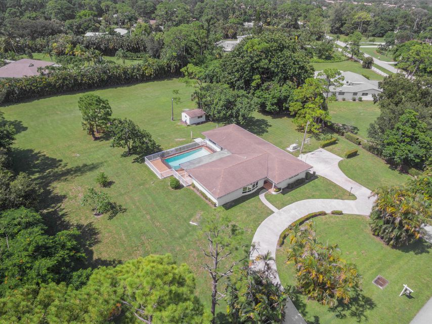 Home for sale in SQUARE LAKE Palm Beach Gardens Florida