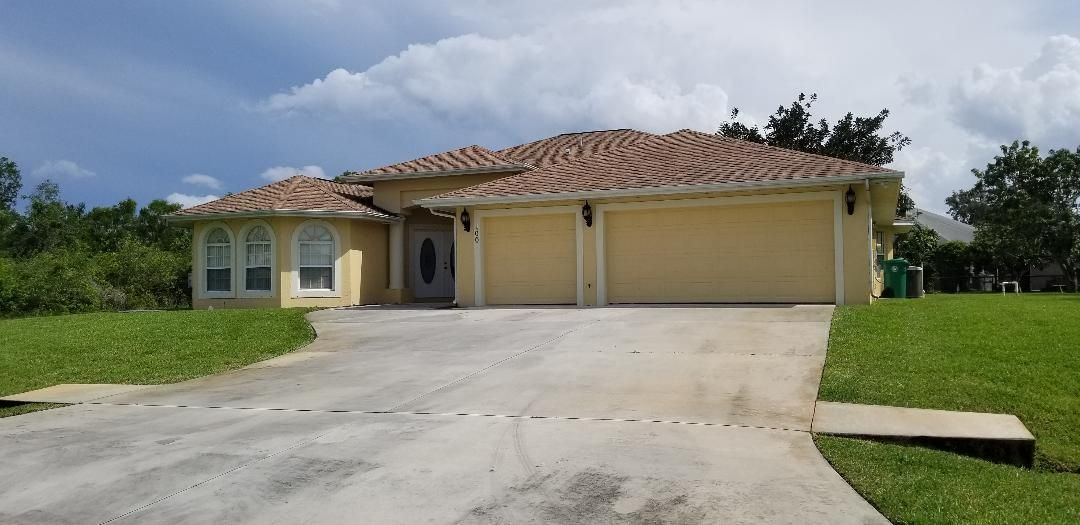 100 SW Lion Lane, Port Saint Lucie, Florida