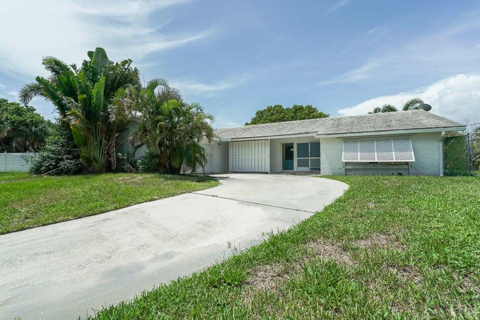 712 Waterway Circle  North Palm Beach FL 33408