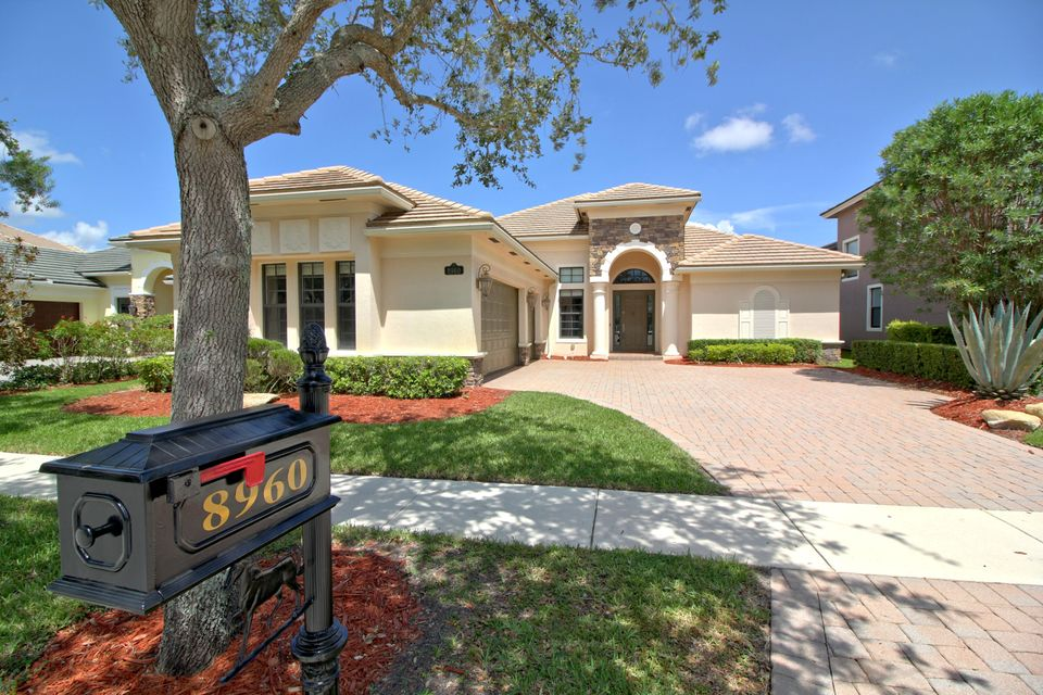 8960 Equus Circle  Boynton Beach, FL 33472