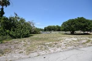 205  Seacrest Lane is listed as MLS Listing RX-10456194 with 5 pictures