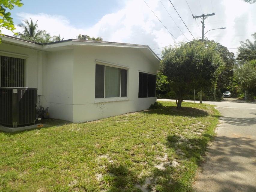 731 S Lakeside Drive Lake Worth, FL 33460