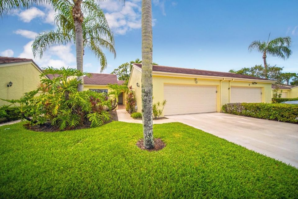 13 Edinburgh Drive , Palm Beach Gardens FL 33418 is listed for sale as MLS Listing RX-10456267 35 photos
