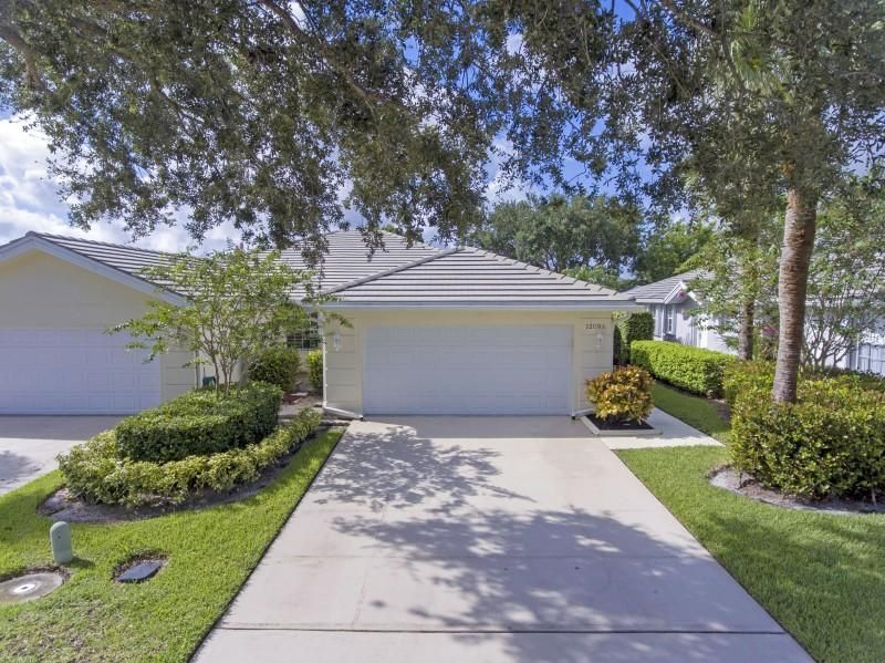 1209 NW Bentley Circle is listed as MLS Listing RX-10456324 with 25 pictures