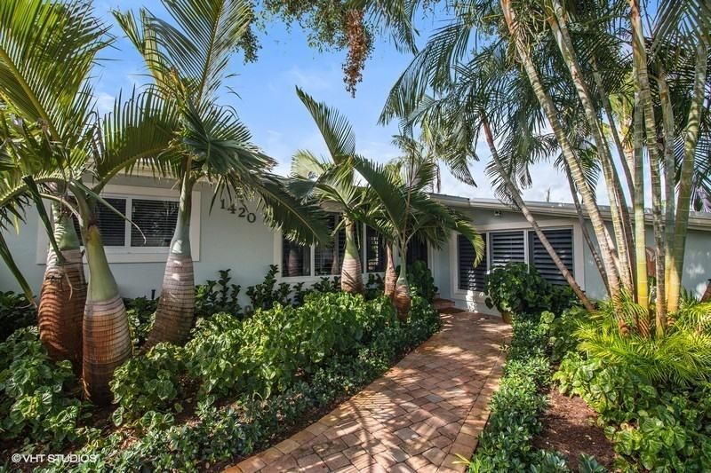 Home for sale in SOUTH LAKE CLARKE Lake Clarke Shores Florida