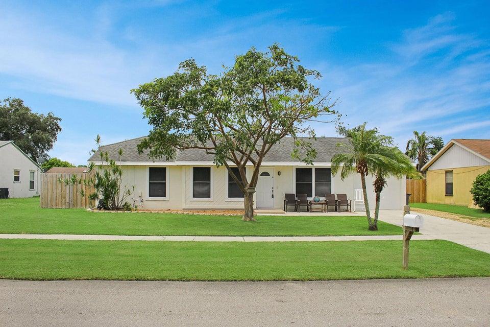 8479  Michael Drive, Boynton Beach in Palm Beach County, FL 33472 Home for Sale