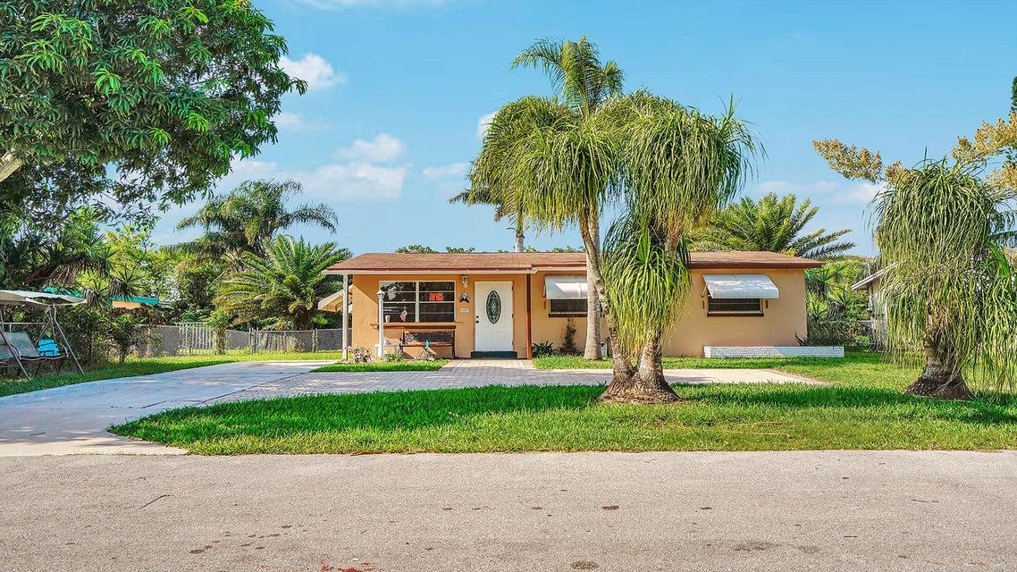 4707 Sutton Terrace  West Palm Beach, FL 33415