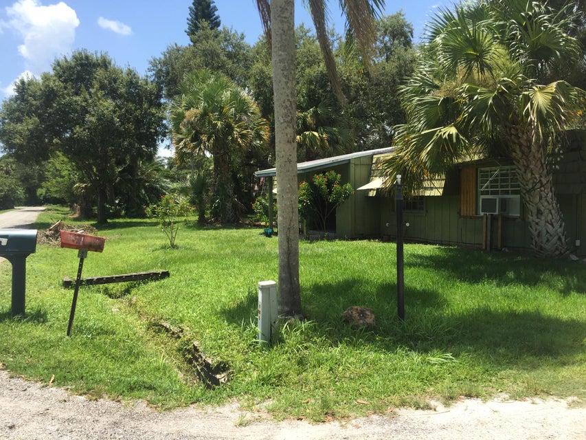 Home for sale in 24 35 39 THAT PART OF S 1/2 OF N1/2 OF SE 1/4 OF NW 1/4 OF NE 1/4 LYG ELY OF E R/W I-95 (1.25 AC)(OR Fort Pierce Florida