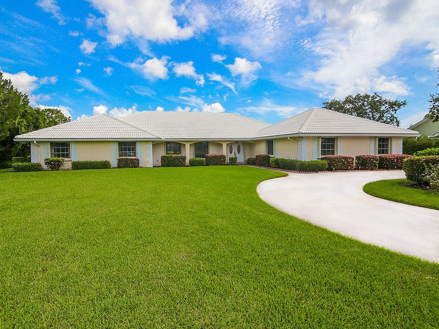 4825 SW Bimini Circle , Palm City FL 34990 is listed for sale as MLS Listing RX-10456999 31 photos