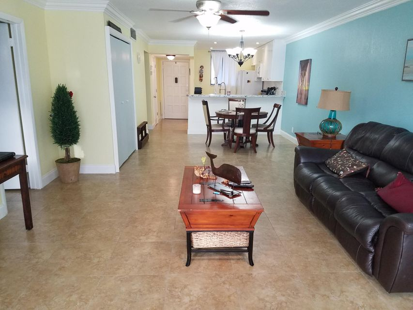 Home for sale in FOUNTAINS OF PALM BEACH CONDO 2 Lake Worth Florida