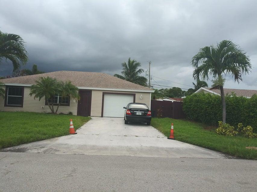 Home for sale in LYNNWOOD HOMESITES Lake Worth Florida