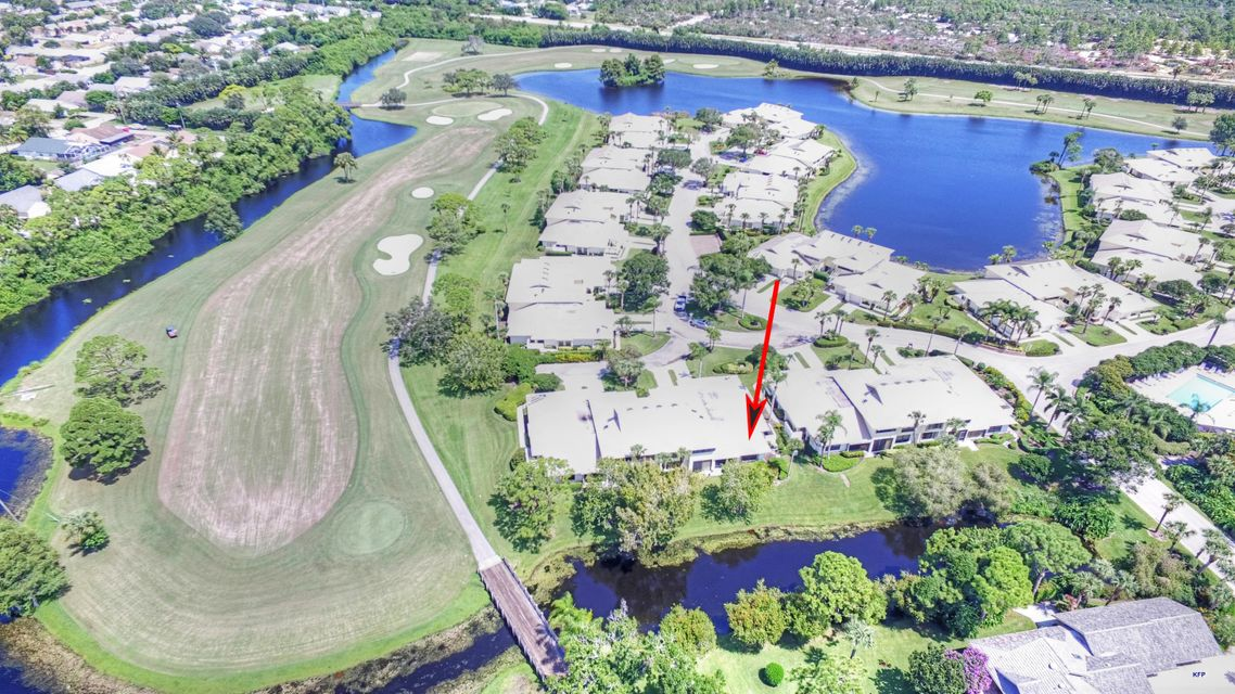 5667 SE Foxcross Place , Stuart FL 34997 is listed for sale as MLS Listing RX-10457222 37 photos