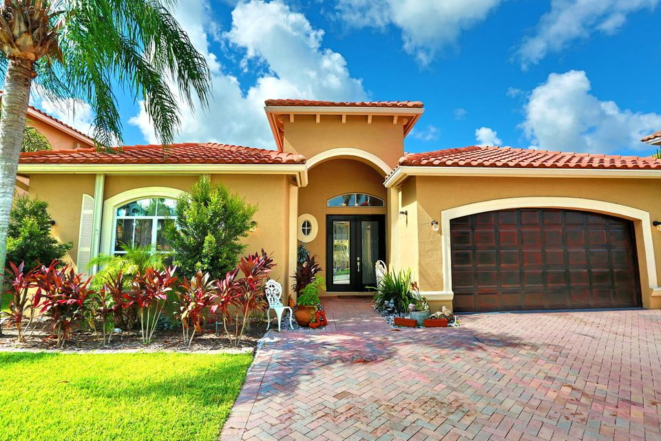 6976 Houlton Circle Lake Worth, FL 33467