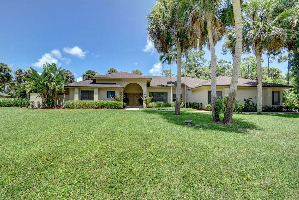 8659 Thousand Pines Circle West Palm Beach, FL 33411
