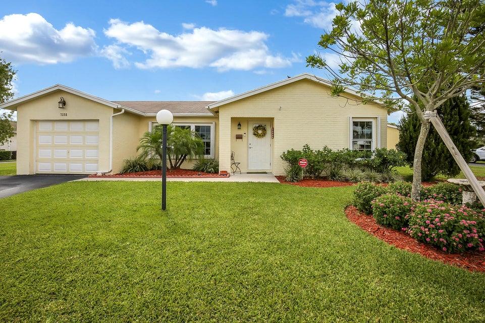 7256 W Pine Park Drive Lake Worth, FL 33467