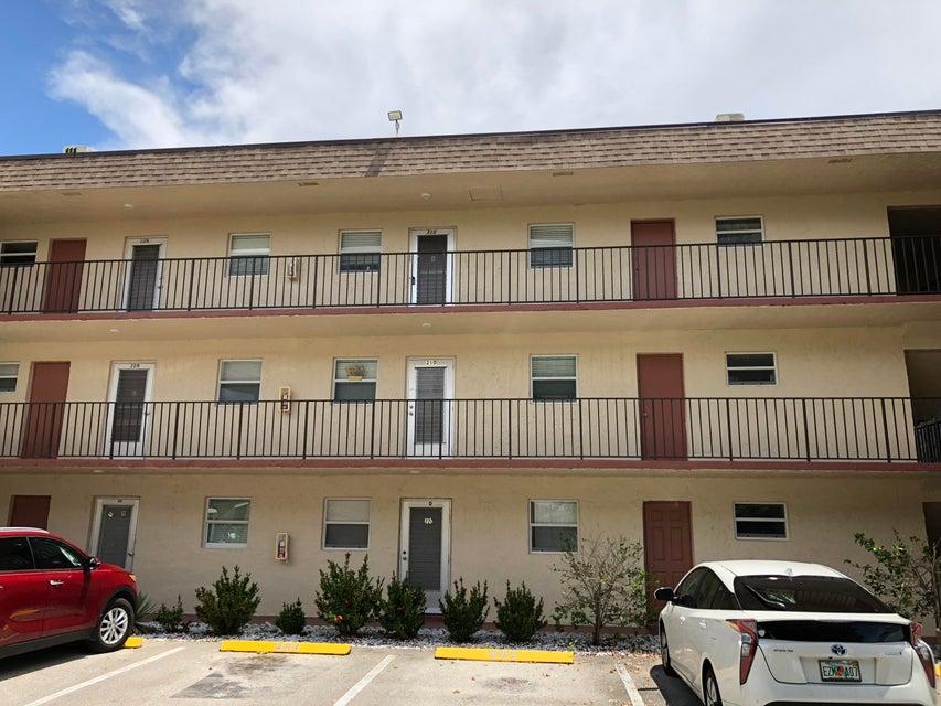 705 Lori Drive 105  Palm Springs FL 33461