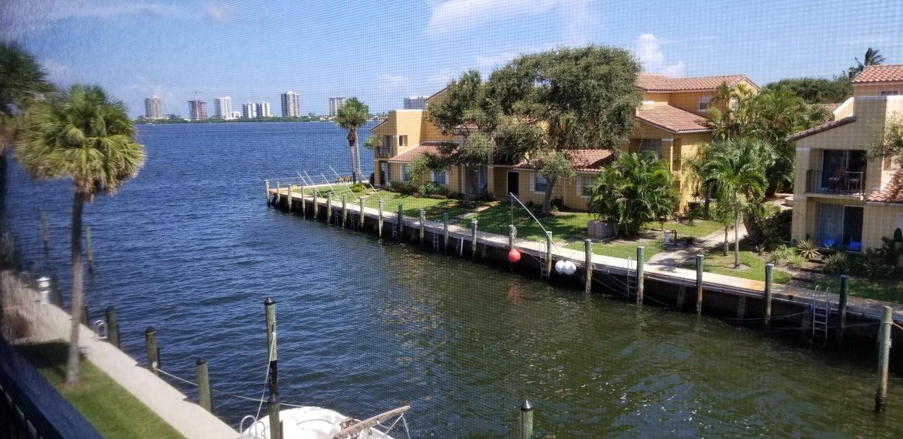 120 Lehane Terrace 303  North Palm Beach FL 33408