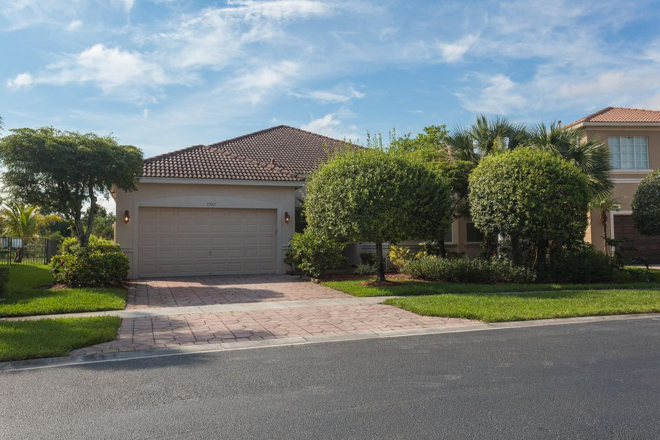 1361 Beacon Circle  Wellington, FL 33414