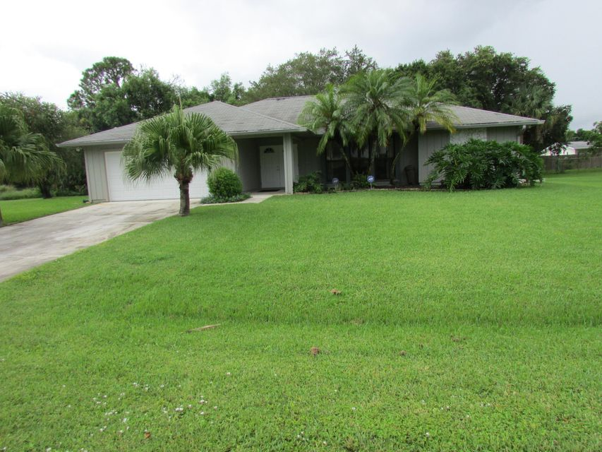 372 SW Fuge Road , Stuart FL 34997 is listed for sale as MLS Listing RX-10457093 20 photos
