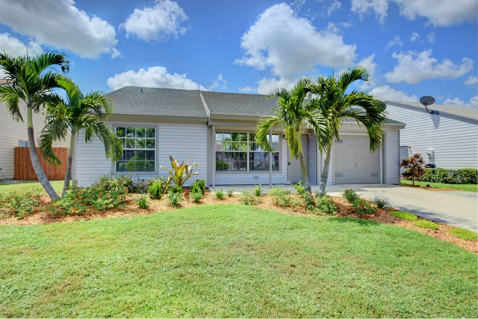 7710 Blairwood Circle Lake Worth, FL 33467