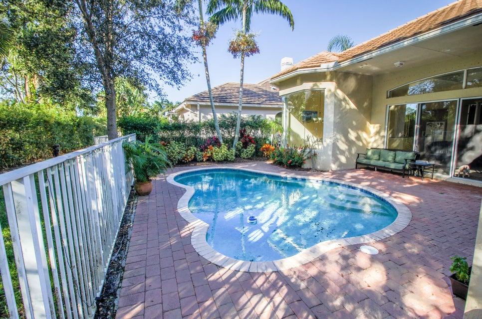 8245 Butler Greenwood Drive Royal Palm Beach, FL 33411 photo 4